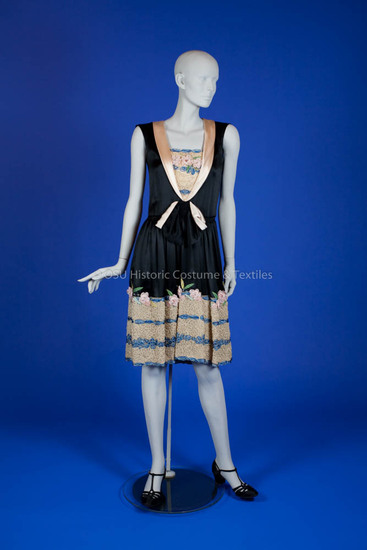 1925-1929 Black silk satin dress with ribbon embroidery