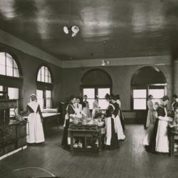 1896_home_ec_first_cooking_class.jpg