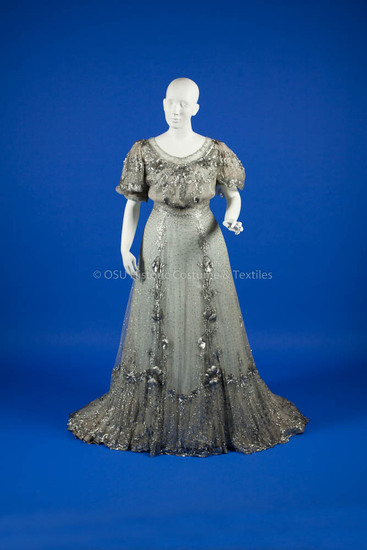 1904-1906, Grey silk beaded long gown
