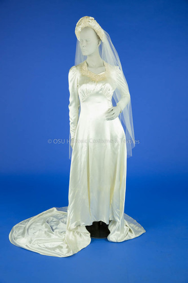 1941 Ivory Satin Wedding Dress