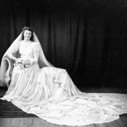 Nelly Salimbene Wedding 1943.jpg